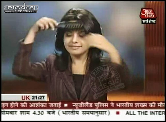 Aaj Tak News Or Beauty Parlour? India Funny Picture