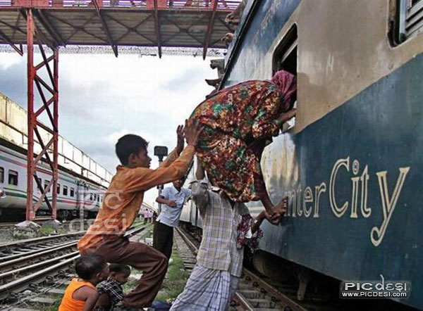 Indian Style of Train Entrance India Funny Picture