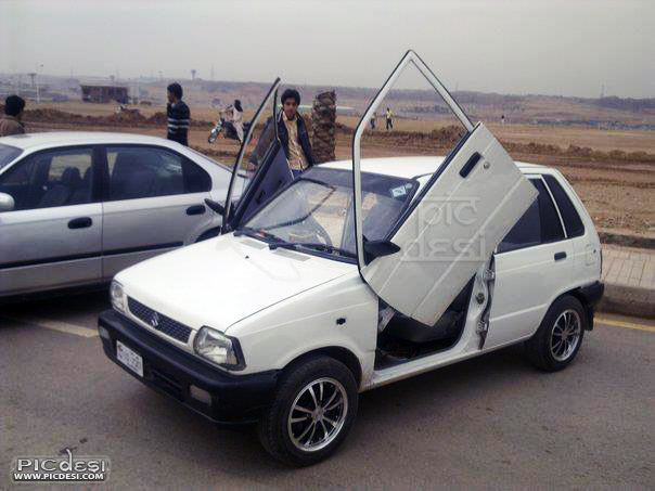 Maruti 800 Modified Ferrari doors India Funny Picture