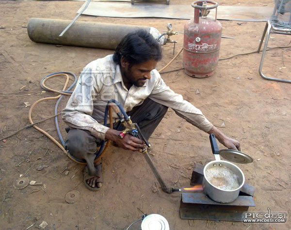Tea making desi jugaad India Funny Picture