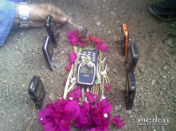 Nokia Cremation RIP India Funny Picture